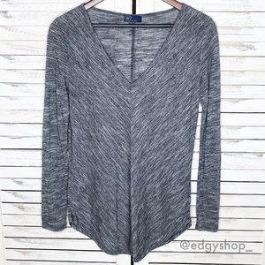 Gap | Spacedye Shirttail V-Neck Long Sleeved Top